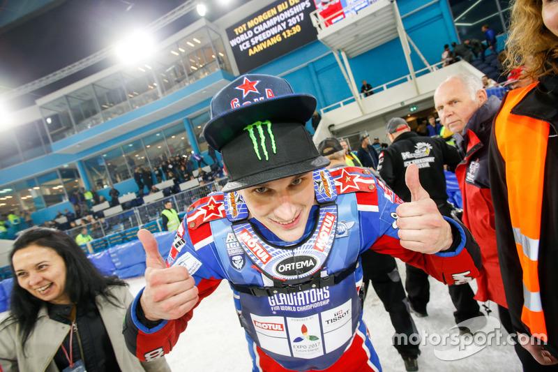 Дмитрий Колтаков выиграл все заезды субботы и стал лучшим по итогам дня