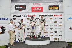 GTLM Podio: ganadores carrera Patrick Pilet, Dirk Werner, Porsche Team, segundo lugar Gianmaria Bruni, Laurens Vanthoor, Porsche Team