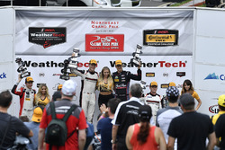 GTD Podio: Ganadores de la carrera Patrick Lindsey, Jörg Bergmeister, Park Place Motorsports, segundo lugar Bryan Sellers, Madison Snow, Paul Miller Racing, tercer lugar Patrick Long, Daniel Morad, Alegra Motorsports