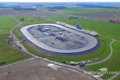 Riasfaltatura dello Jukasa Motor Speedway