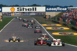 Герхард Бергер, McLaren MP4/6 Honda, Ален Прост, Ferrari 643, Маурисио Гужельмин, Leyton House CG911 Ilmor, Стефано Модена, Tyrrell 020 Honda и Нельсон Пике, Benetton B191 Ford, старт