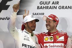 Podium : le vainqueur Sebastian Vettel, Ferrari, le second Lewis Hamilton, Mercedes AMG F1