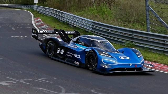 Volkswagen ID R goes for the electric record on the Nordschleife