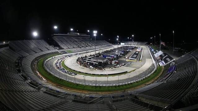 Preview Show: Under the Saturday night lights at Martinsville