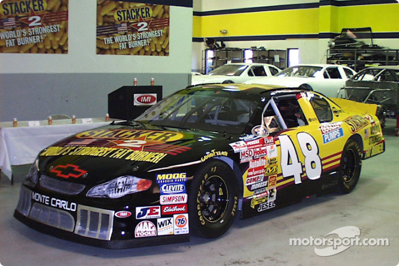 BUSCH: Kenny Wallace gains primary sponsor