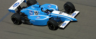 IndyCar IRL: Walker Racing releases Sarah Fisher from driver contract