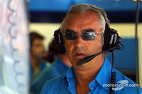 Briatore supports Friday testing