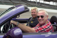 IRL: Two laps in a Indy pace car