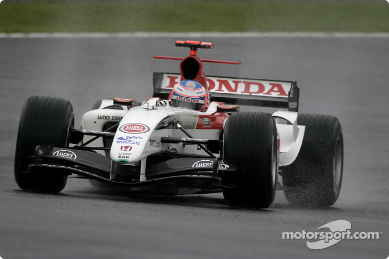 A lap of Interlagos with Button