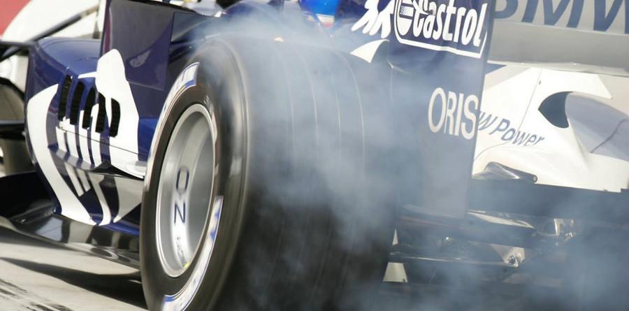 Webber takes over in last Bahrain GP practice