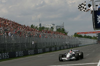 Kubica scores maiden victory in Canada