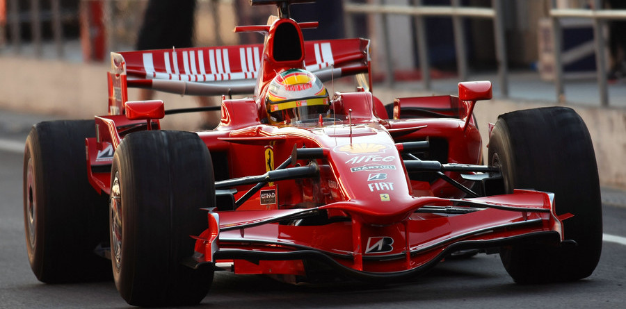 Ferrari's Badoer tops test times in Barcelona