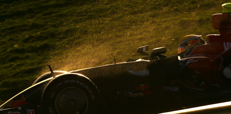 First 2009 test puts KERS on F1
