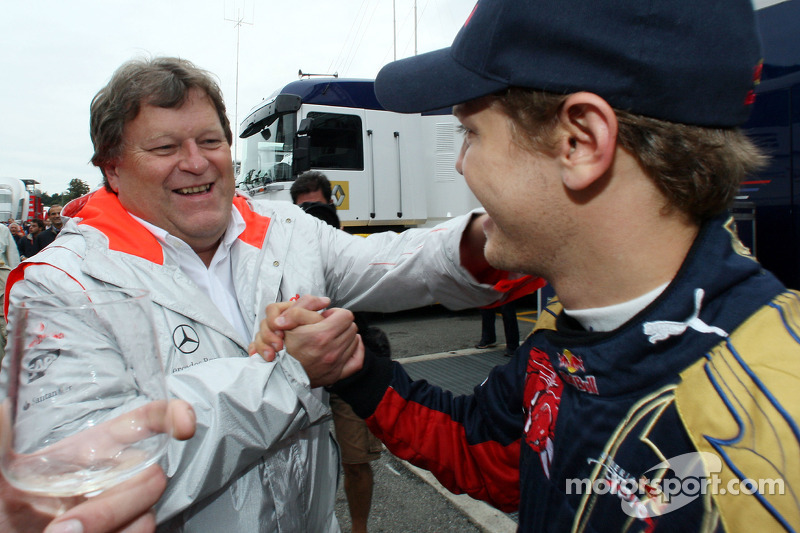 No Mercedes offers for Vettel since 2009 - Haug
