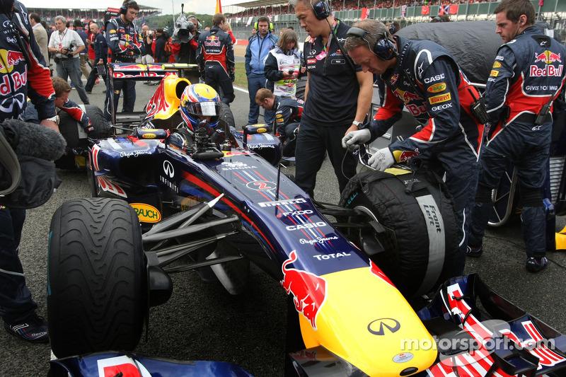 Red Bull Swerve Raikkonen, Eye Webber For 2012