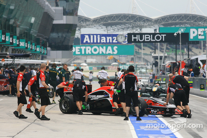F1 Still Discussing Silent Pitlanes For 2014