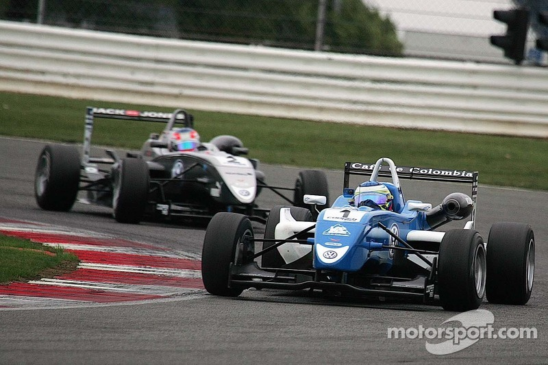 Victory at last for Huertas, Magnussen vice-champion