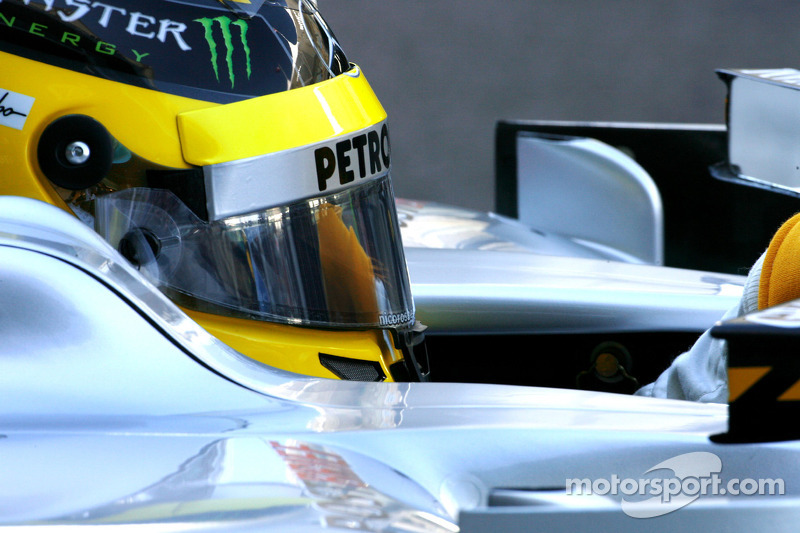 Mercedes Abu Dhabi GP Friday practice report