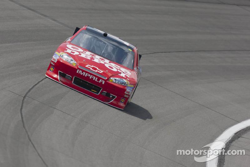 Stewart secures 13th at Kansas
