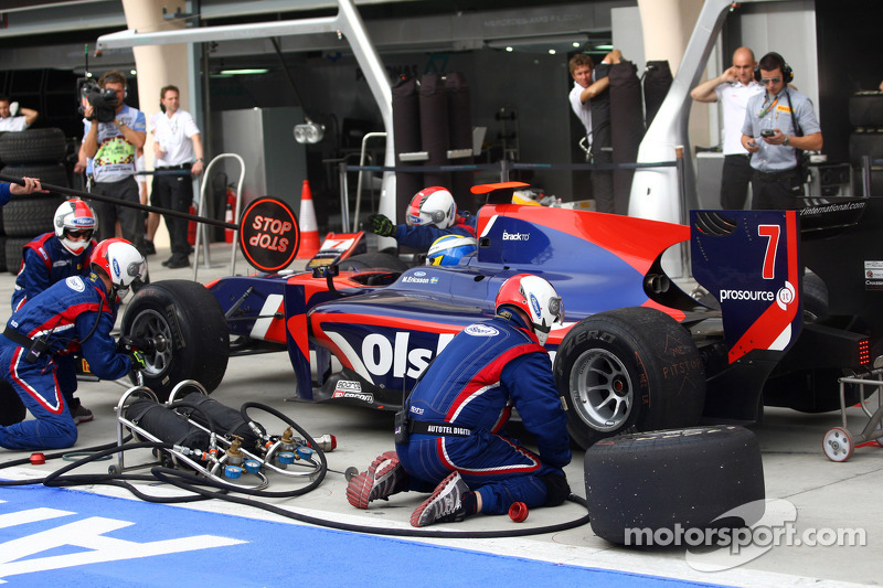 iSport Bahrain race 1 report