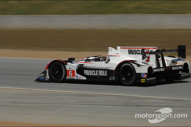 Graf zooms to Laguna Seca pole in Muscle Milk Pickett Racing HPD ARX