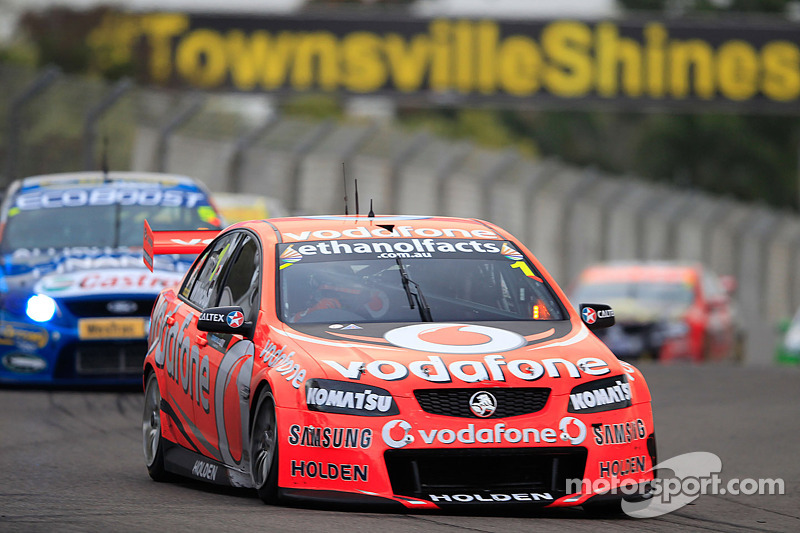 Jamie Whincup sweeps Townsville races to extend points lead
