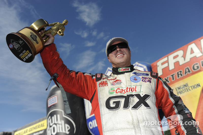 Mike Neff leads the way at Norwalk for John Force Racing