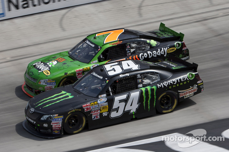 Kyle Busch has frustrating day at Chicagoland