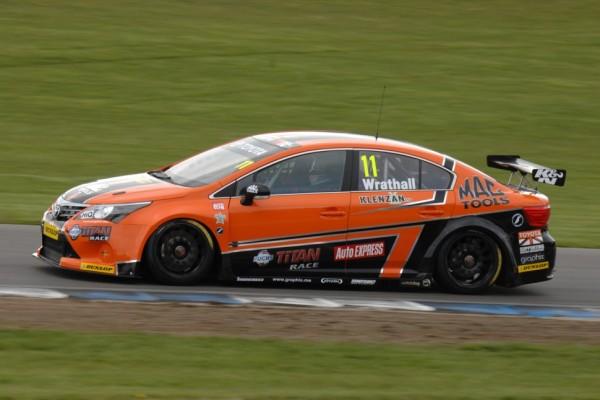 Wrathall takes his maiden pole at Snetterton