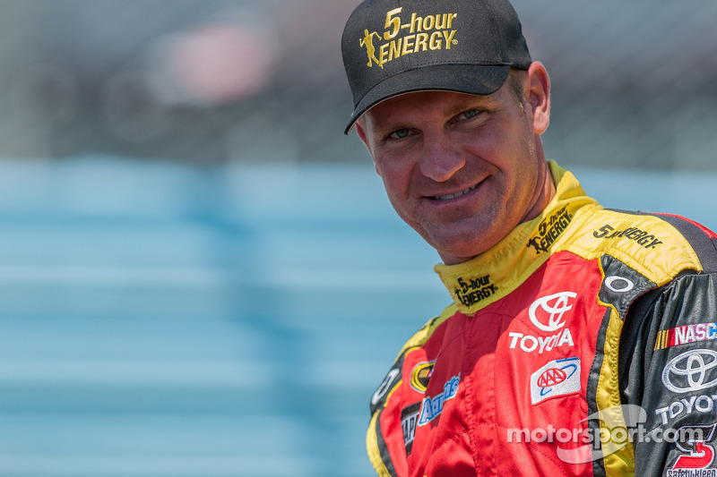 Clint Bowyer heads to Michigan with points picture in mind