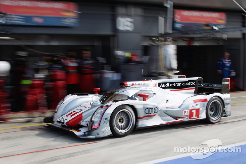 Audi R18 embarks on tour around the world starting at Sao Paulo