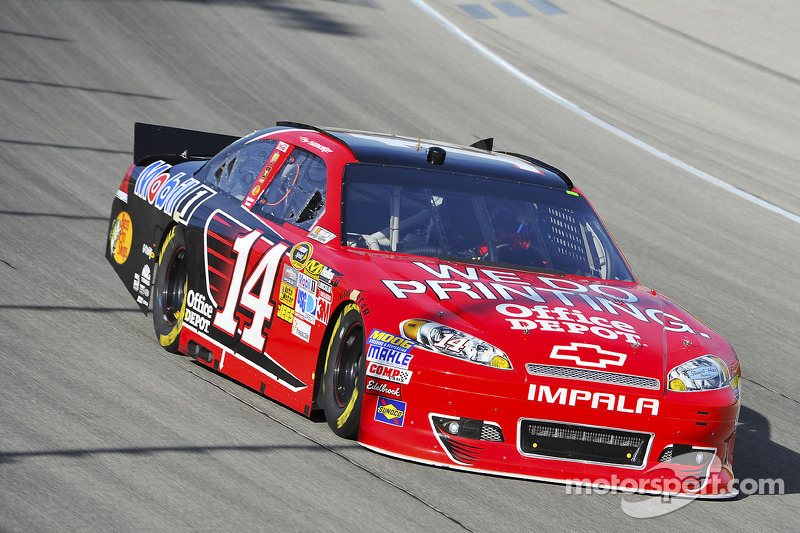 Stewart solid sixth in Chase opener