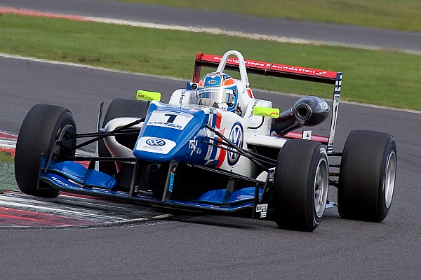 Harvey's win in Donington tightens title fight