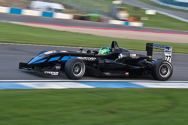 Padayachee takes final round national class podium at Donington