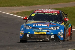 BTCC Qualifying report Plato takes yet another pole as Honda duo struggle at Silverstone