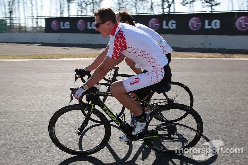 Schumacher rules out motorbike racing return