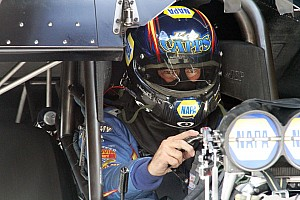 NHRA Preview Capps heads to Las Vegas in close battle for Funny Car championship
