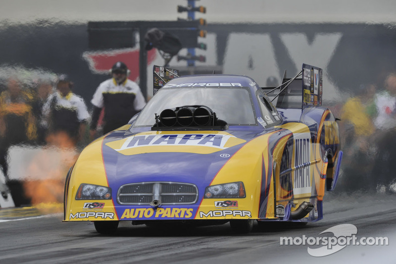 Capps faces finale at Pomona leading Funny Car world championship