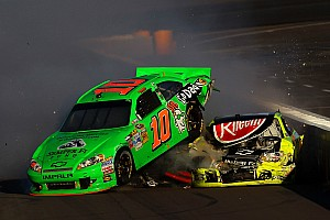 NASCAR Cup Race report Career-Best 17th-place finish in Phoenix 500 gives Patrick momentum heading to 2013