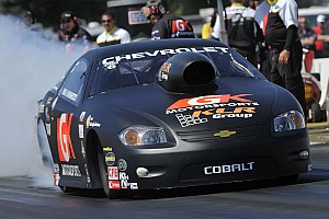 NHRA Breaking news Enders' GK Motorsports gang named sport's Pro Stock 'Hard-Working Crew'