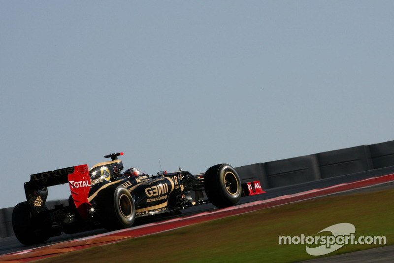 Lotus drivers evaluate brakes and exhausts in first day at Austin
