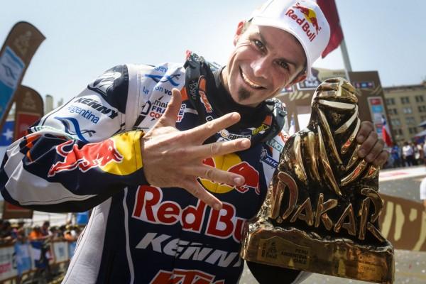 Red Bull celebrates Dakar 2013 victories - video