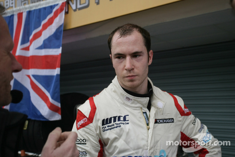 MacDowall confirms 2013 title bid with Bamboo