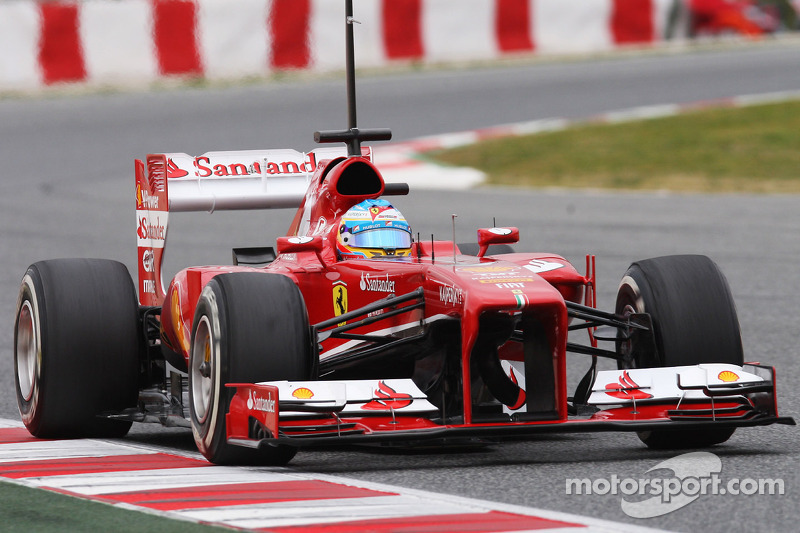 Alonso day one testing in Barcelona - Over 500 kilometres for Alonso on his debut