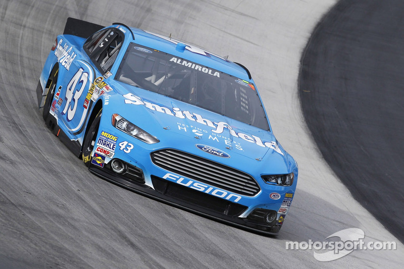 Aric Almirola eyes victory lane driving iconic No. 43 at Martinsville Speedway