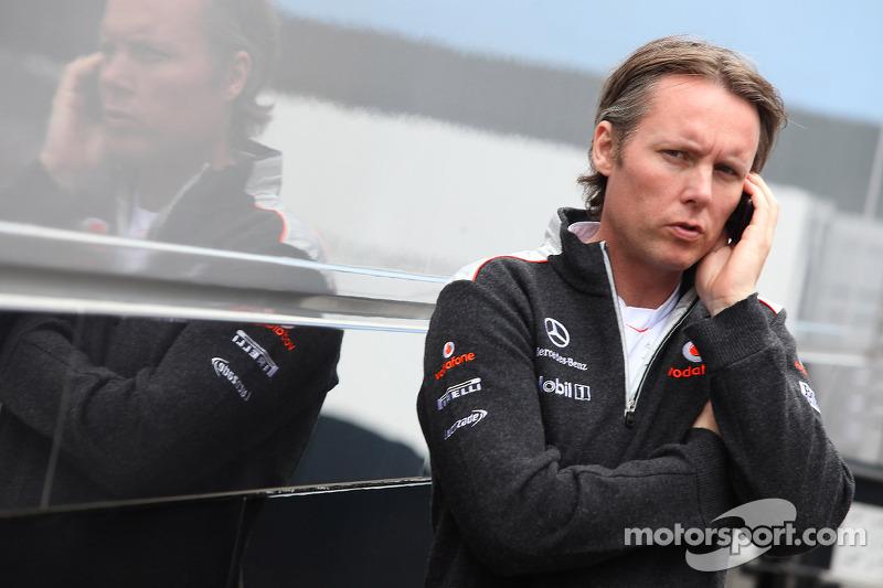 McLaren denies 'throwing' Hamilton out of pits