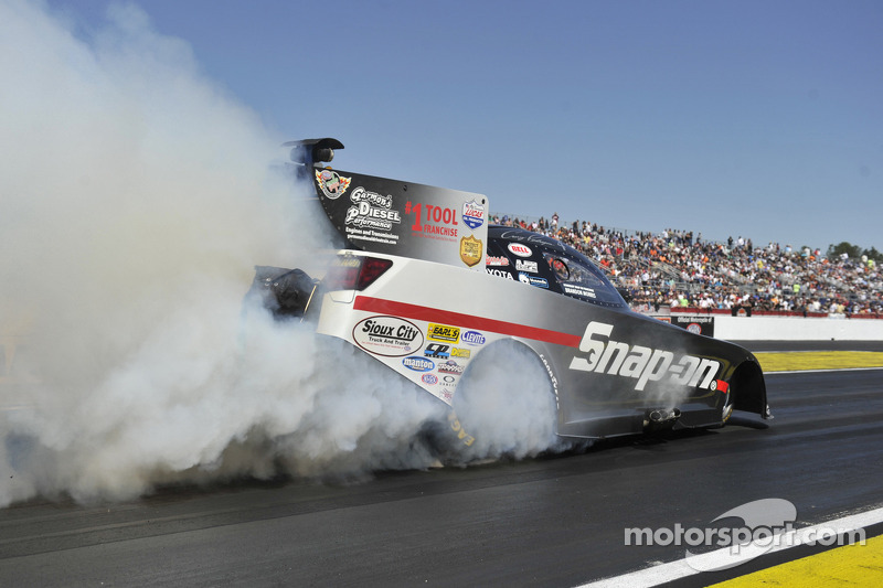Pedregon, Kalitta, Coughlin and Arana lead first qualifying round at Baytown