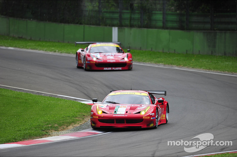 AF Corse Ferrari 458 Italia, two podiums at Imola