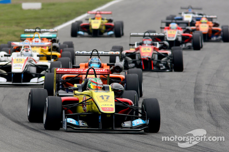 Giovinazzi earns Double R's first European championship points