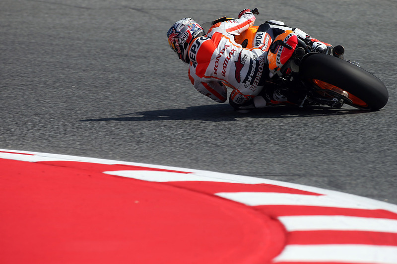 Pedrosa smashes lap record to take pole position at the Catalan GP